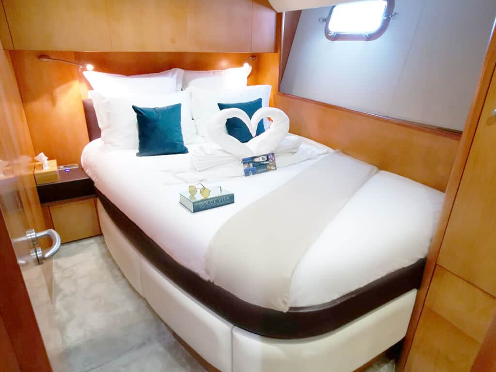 Cabine double yacht DOLCE Sunseeker Predator 72